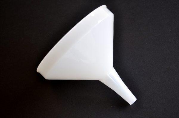 "Kristallon Plastic Funnel (6"")"